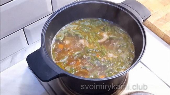 Готовый суп из кролика.
