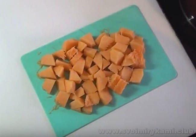Чтобы узнать, как готовить пшенную кашу с тыквой, взгляните на видео в конце статьи.