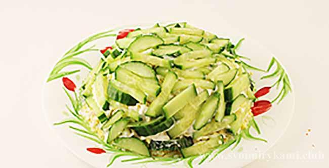 Очередь огурцов для салата березка