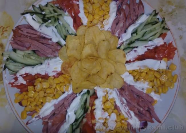 """Салат """"Козел в огороде"""" можно приготовить даже с корейской морковью."""