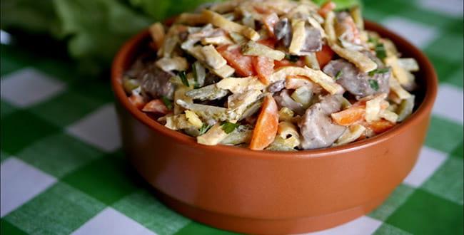 Салат с печенью и морковью 🥝 как приготовить печеночный салат с печенкой