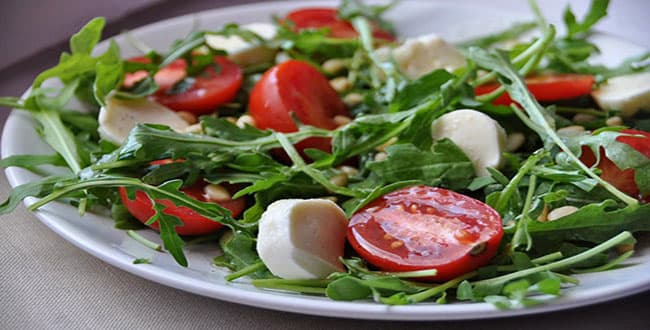 Салат с рукколой и креветками 🥝 как приготовить, фото