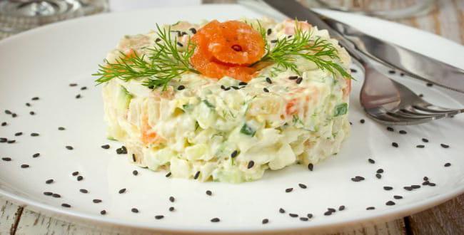 Пошаговый рецепт приготовления салата с семгой
