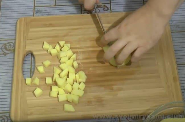 Рецепт супа из баранины с картошкой не требует никакой крупы.