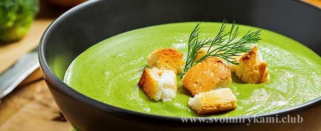 Крем-суп из брокколи готов
