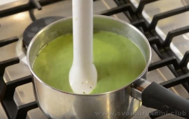 Рецепт супа-пюре со шпинатом предельно простой и быстрый.