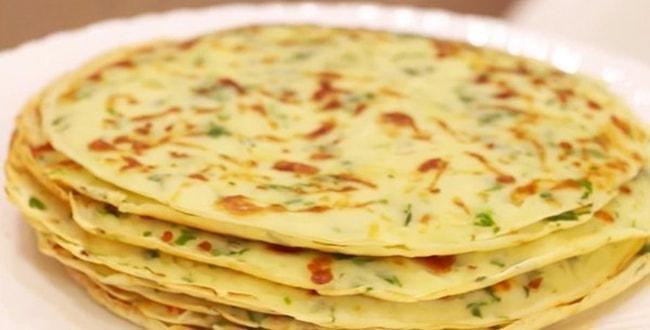 Пошаговый рецепт сырных блинов с зеленью
