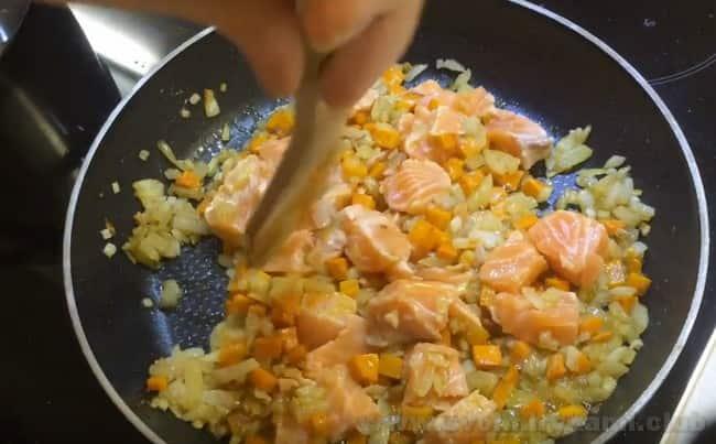 Рецепт финского рыбного супа со сливками получается идеальным с красной рыбой.