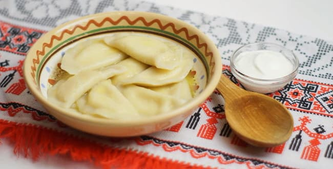 Пошаговый рецепт приготовления вареников с творогом
