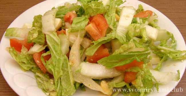 Подаем салат к столу