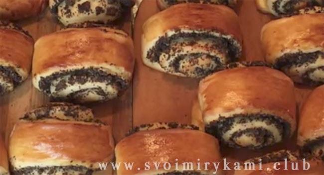 Теперь вкусные булочки с маком готовы