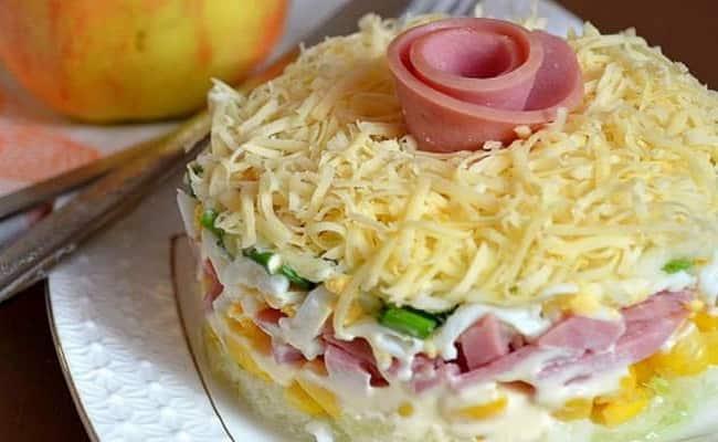 Готовый салат нежность рецепт с ветчиной и огурцами!
