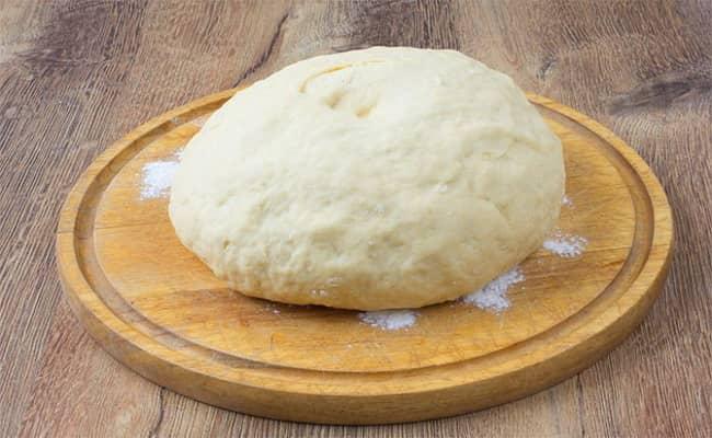 Вот таким должно быть тесто для вак беляшей в духовке.