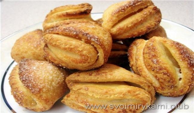 Вкусное творожное печенье в виде треугольников