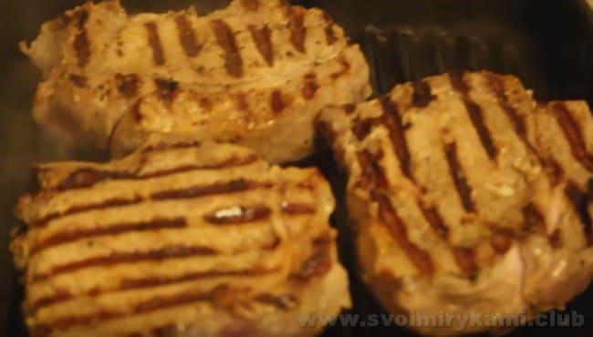 Бифштексы из свинины готовы!