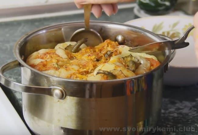 Самые вкусные фаршированные перцы, приготовленные по простому рецепту, уже можно пробовать.