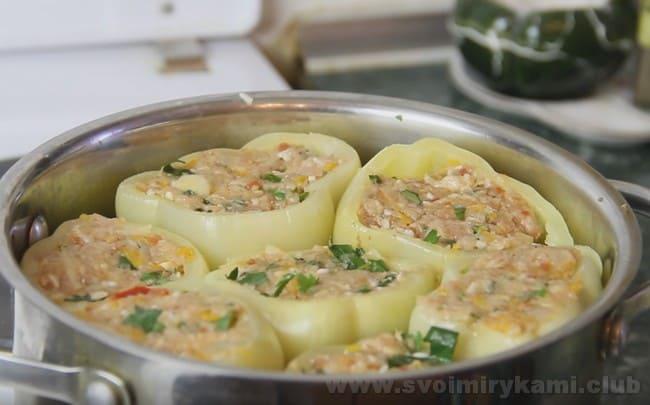 Как видите, предложенный нами рецепт фаршированных болгарских перцев очень простой.