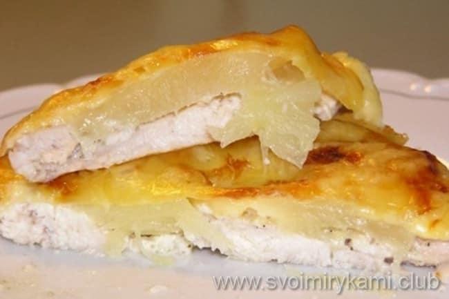 Филе курицы с картошкой в мультиварке готово к подаче