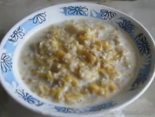 Гречневая каша на молоке с тыквой готова.