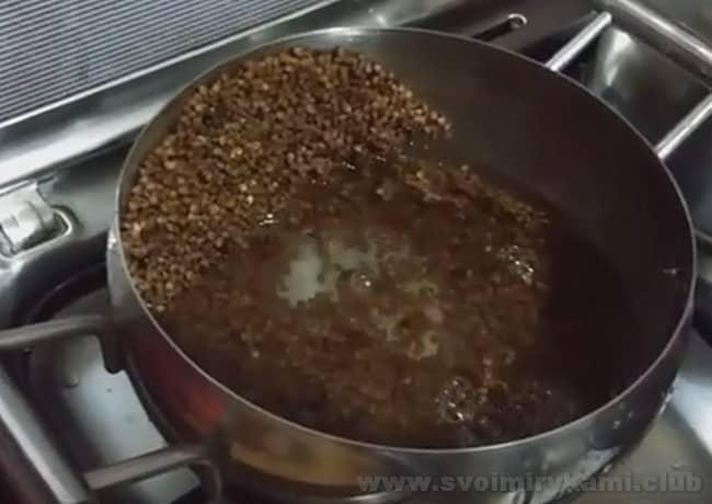 Узнайте также, как сварить гречневую кашу на молоке с тыквой.