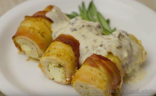 Соус с грибами по такому рецепту можно подавать с самыми разными блюдами.
