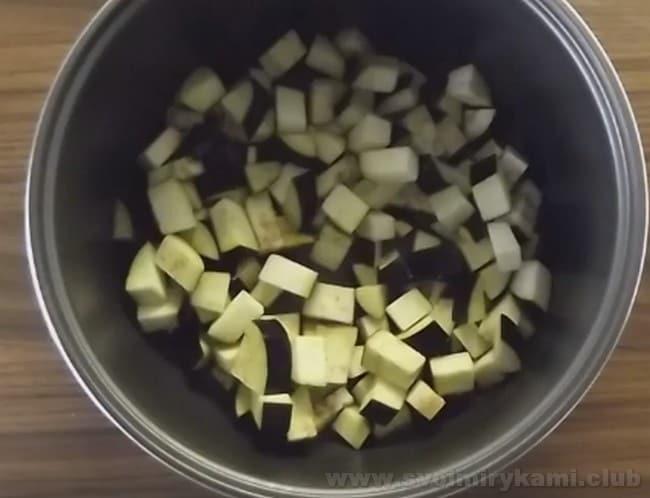 Готовя овощной плов в мультиварке, тоже важно выдержать точные пропорции риса и воды.