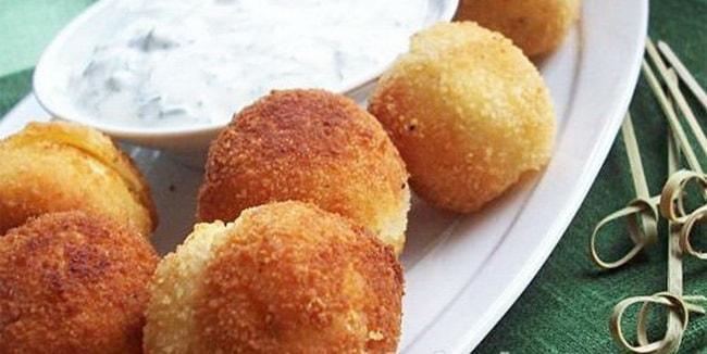 Ароматные картофельные крокеты с сыром, приготовленные в мультиварке готовы!