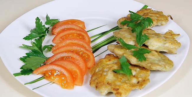 Пошаговый рецепт приготовления куриных биточков