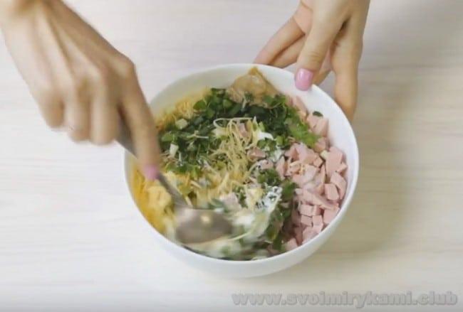 На сковороде получится очень вкусным лаваш с ветчиной и сыром.