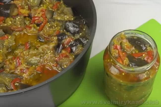 Аппетитное лечо из баклажанов на зиму, приготовленное по нашему пошаговому рецепту, можно закатывать в банки!