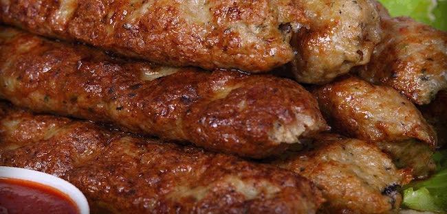 Люля-кебаб из свинины готов