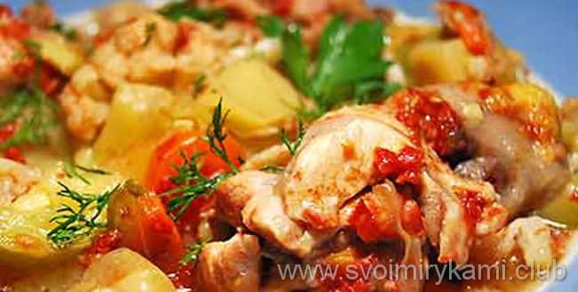 Готовим овощное рагу с курицей в мультиварке около пол часа