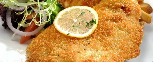 Рецепт вкуснейшего шницеля из свинины.