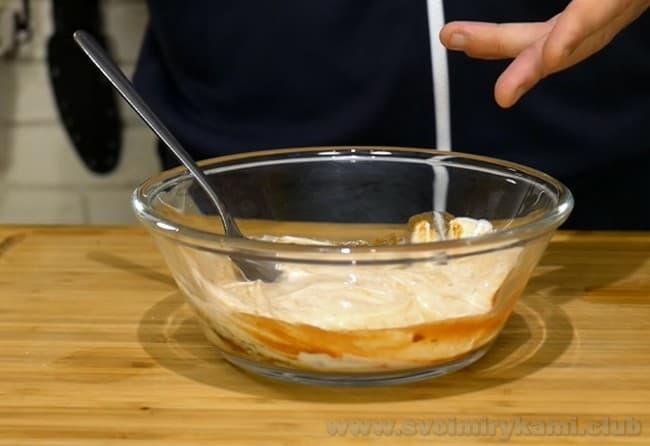 Пельмени в горшочках с сыром в духовке будут еще более ароматными и вкусными.