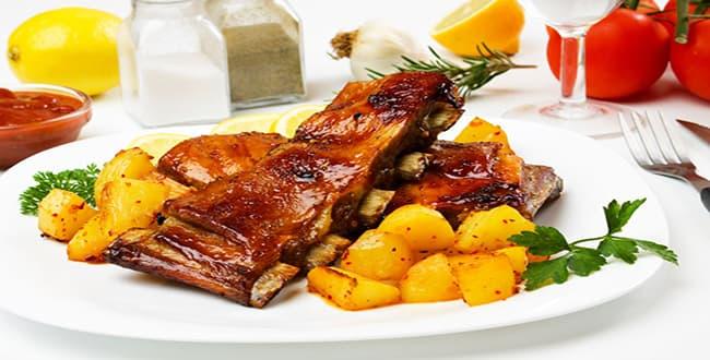 Как приготовить свиные ребрышки с картошкой в духовке и мультиварке по пошаговому рецепту с фото