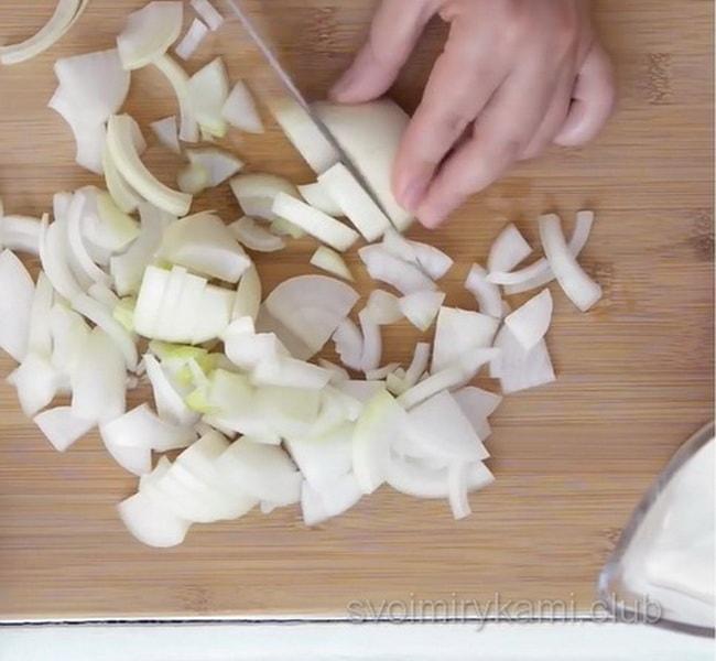 Бефстроганов из свинины с подливкой, смотрите подробный рецепт с фото и видео.