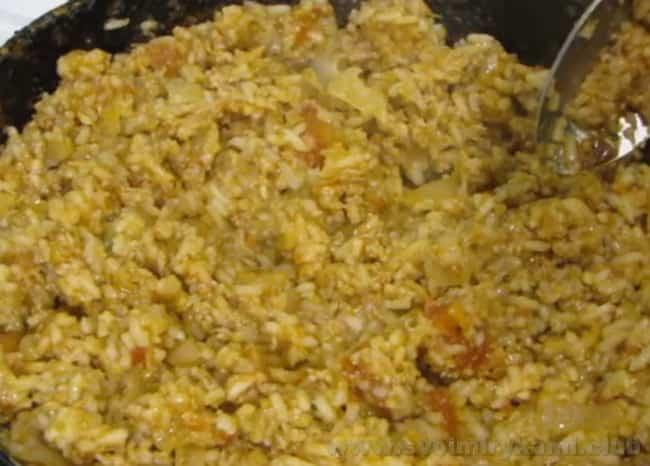 Начинка для рецепта фаршированных помидоров с фаршем в духовке готова.
