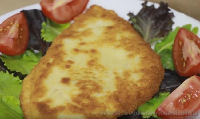 Шницель из куриной грудки в панировке - отменный рецепт для праздника.
