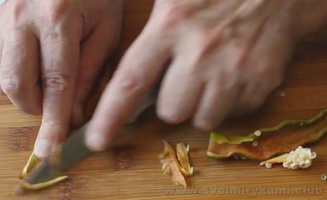 Рецепт соуса сацебели из помидор на зиму очень интересный.