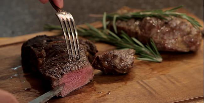 Стейк из говядины 🥝 готовим стейки дома, как сделать вкусный маринад