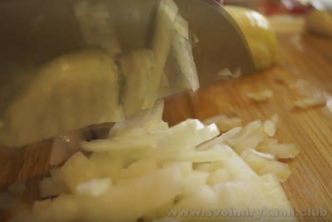 Предлагаем вашему вниманию простой и быстрый рецепт тефтелей с рисом в мультиварке.