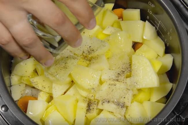 Рецепт тушеной картошки с мясом в мультиварке высоко оценят любители этой техники.