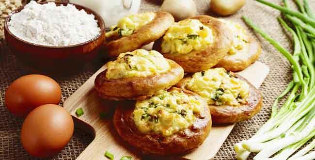 Пошаговый рецепт приготовления ватрушек с картошкой