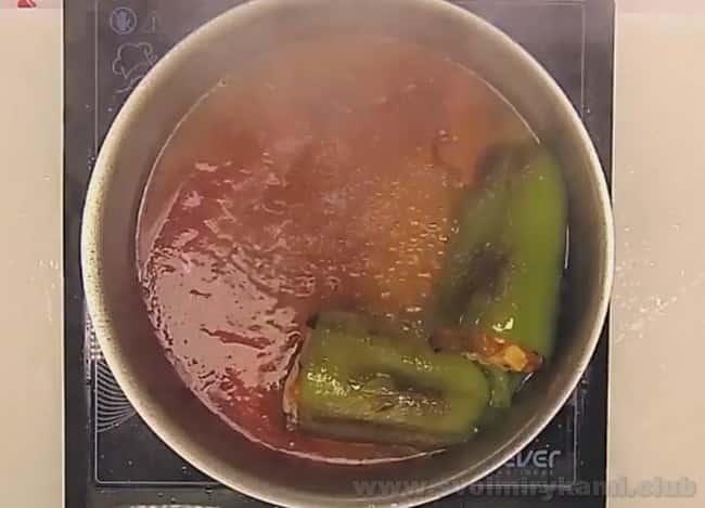Перцы, фаршированные баклажанами по этому рецепту готовятся довольно быстро.