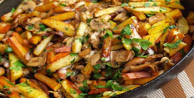 Пошаговый рецепт приготовления жареной картошки с грибами на сковороде