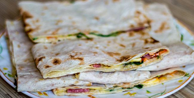 Пошаговый рецепт бутербродов из лаваша на праздничный стол