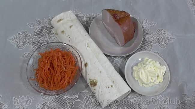 Для приготовления рулета из тонкого лаваша с морковкой по-корейски, мне понадобились такие ингредиенты