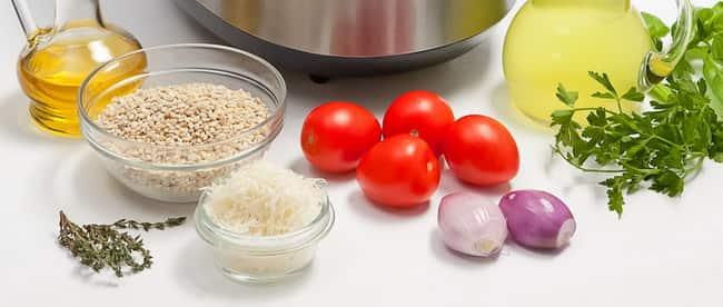 Если вы хотите вкусно приготовить кашу перловку на гарнир, возьмите такие ингредиенты