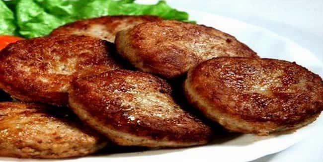 Печеночные котлеты из диетической куриной печени по очень простому рецепту получились пышными и вкусными