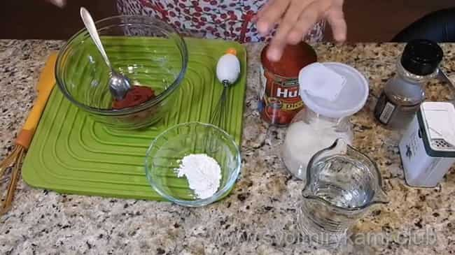 Для приготовления соуса для тефтелей нам понадобятся такие ингредиенты